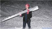 Hayden icicle hunting, uploaded by Mike Pow  [Rusutsu Resort, Rusutsu Village, Hokkaido]