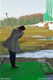 Nerys playing out of the ruff at Kutchan driving range, uploaded by MikePow