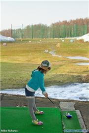 Kyla MacKenzie at Kutchan driving range, uploaded by MikePow