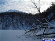 (8th Dec) Lake Hangetsu before all the recent snows. The ice was thick enough to walk on., uploaded by NisekoNow  [Niseko Mountain Resort Grand Hirafu, Kutchan Town, Hokkaido]