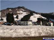 28th April 06.  Still a fair amount of snow left in the Yuzawa area., uploaded by YuzawaNow  [Yuzawa Park, Yuzawa Town, Niigata]