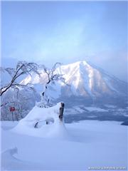 taken from the top of east mtn, towards Youtei San.., uploaded by snowluvva  [Rusutsu Resort, Rusutsu Village, Hokkaido]